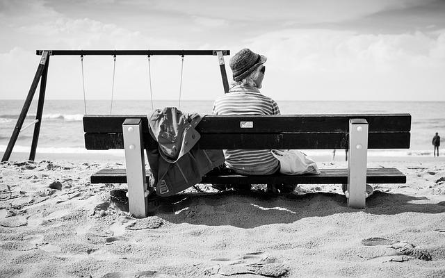 beach-925740_640